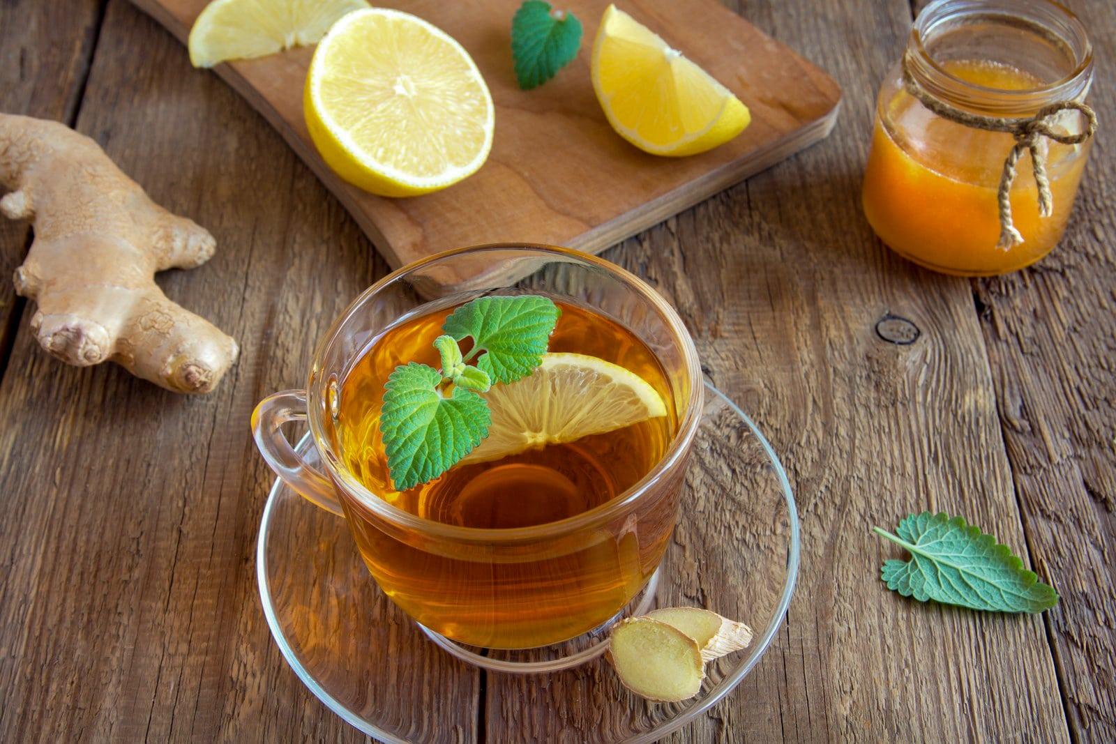 How to serve black tea with lemon & honey