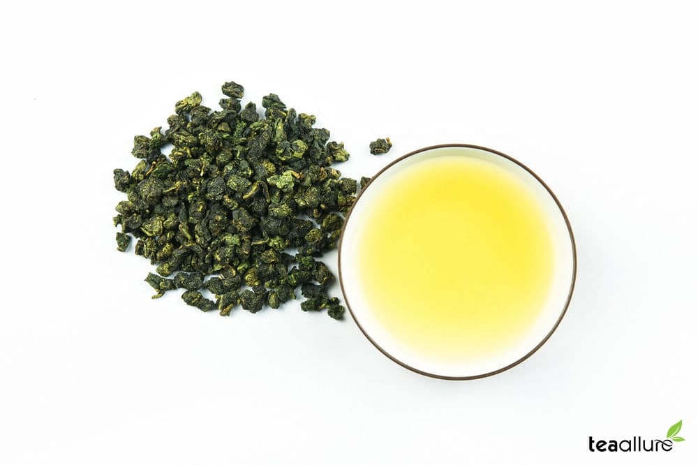 Milk (Jinxuan) Oolong Tea brewed