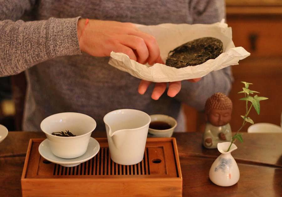 Preparing Pu-erh tea
